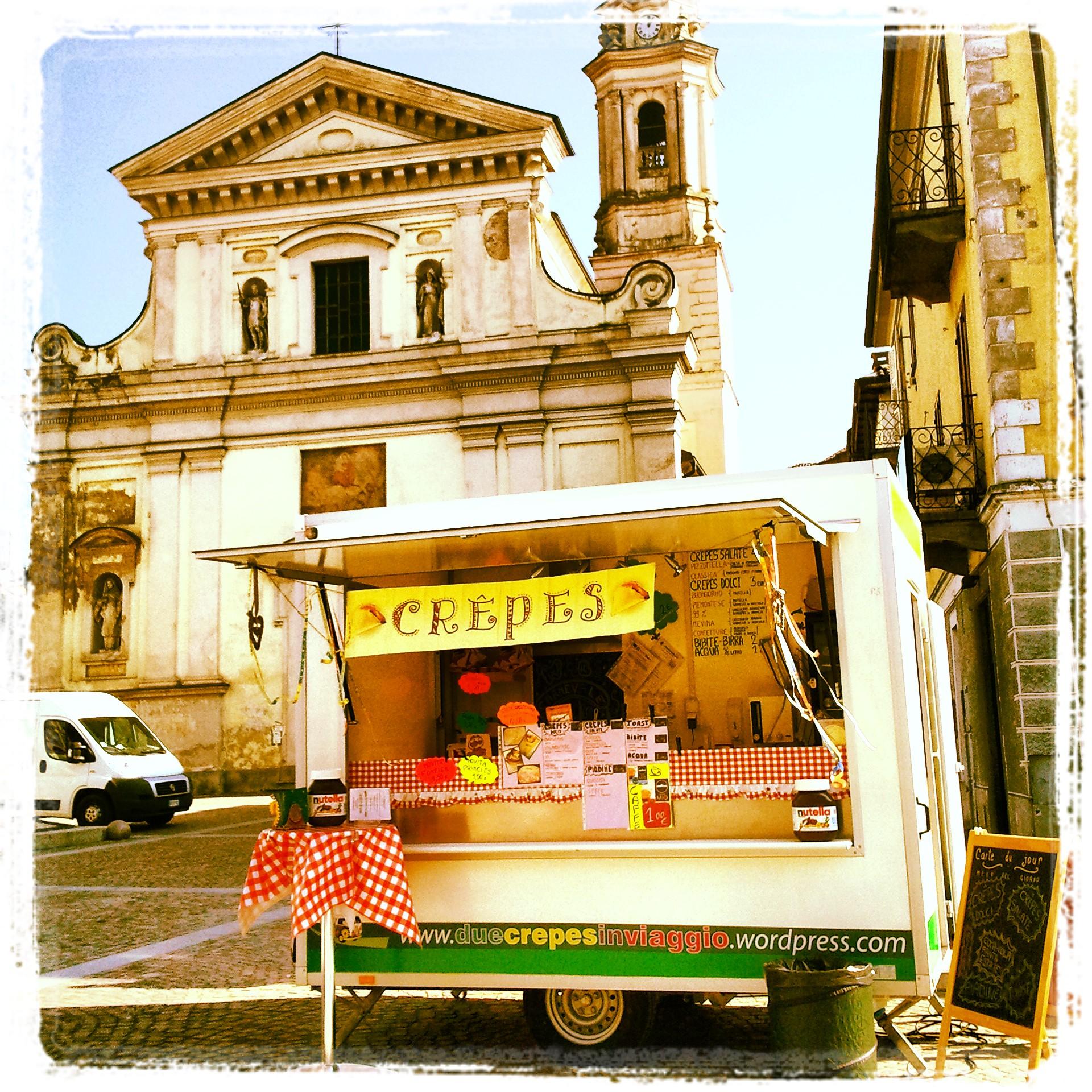 Il nostro mezzo in piazza dell'Angelo - Carignano TO